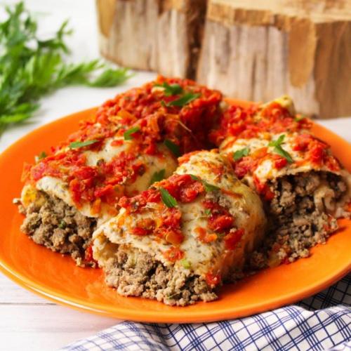 Panqueca de tapioca e chia com molho de tomate fresco orgânico
