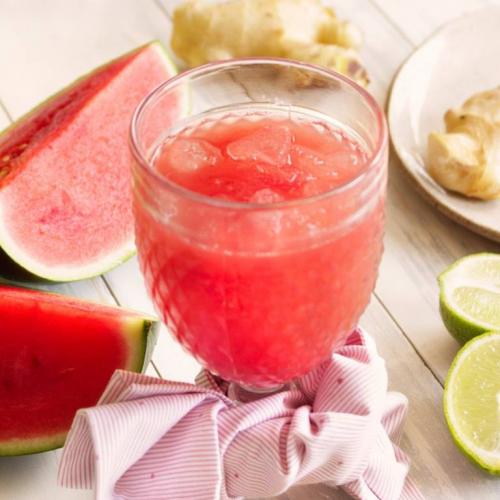 Suco de Melancia, abacaxi e limao
