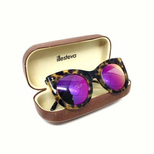 Óculos Illesteva Tartaruga Lente rosa espelhada | Feminino | Marrom
