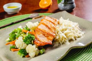 Refeições congeladas, saudáveis e práticas!  Todas low carb, sem trigo, sem lactose !