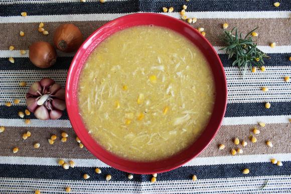 Sopa de frango com milho da Maddas